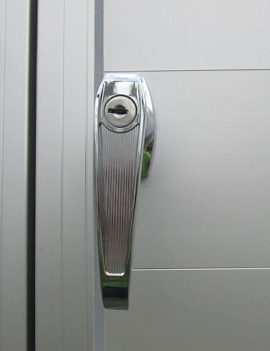Grooms door handle lock for horse trailer