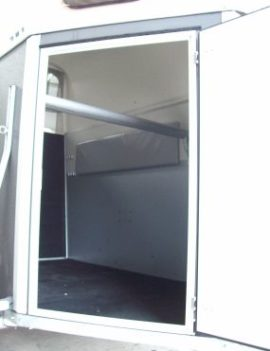 Full Length Breach Bar for Horse Trailers