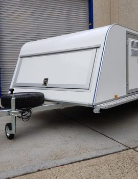 TOMPLAN – DOG TRAILER – 6 BERTH – FULLY INSULATED – TOMDOG 6S